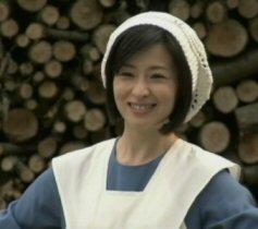 八日目の蝉壇れいシスター服.jpg